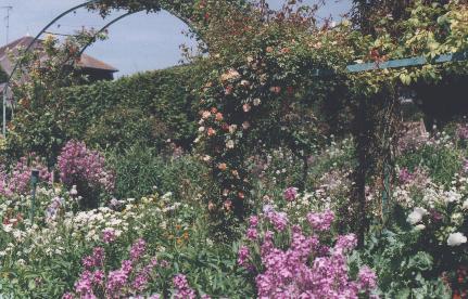 http://giverny.org/gardens/fcm/fleurs/printemp.jpg
