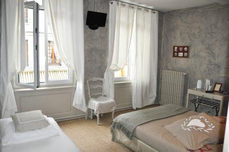 La villa ali nor ancien hotel le normandie les andelys - Paray le monial chambre d hote ...