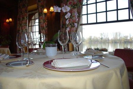 Hotel restaurant la chaine d or les andelys for Chaine hotel restaurant