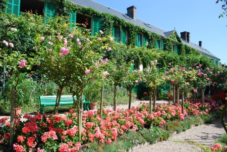 Claude Monet\'s house in Giverny