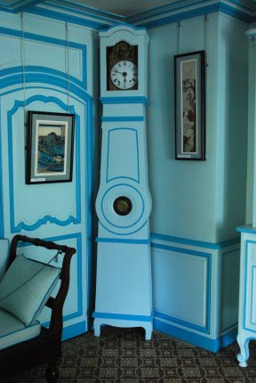 The blue siting room of Claude Monet in his house of Giverny